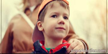 Özgüvenli çocuk yetiştirmek için 10 sihirli cümle!