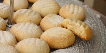 agizda dagilan tatli kurabiye nasil yapilir zylngsar.jpg