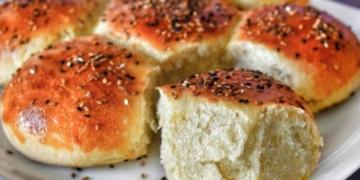 en kolay cicek ekmek evde nasil yapilir cicek ekmek yapmanin puf noktalari di5mej2s.jpg