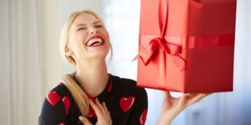 kadinlara alinabilecek en guzel kozmetik hediye onerileri gmq69mgr.jpg
