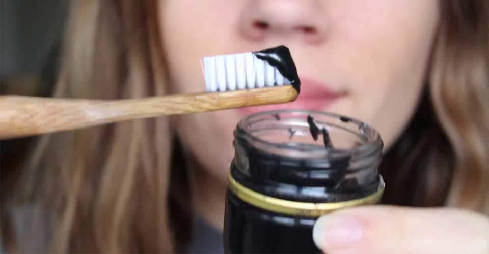 aktif kömür macun ve fırça