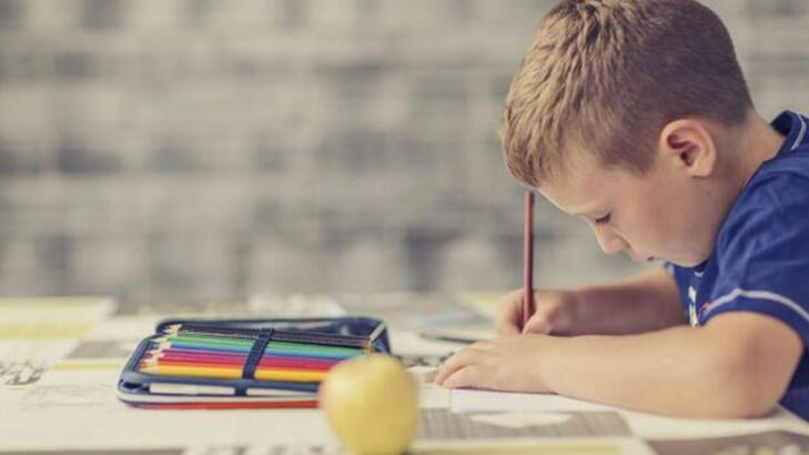 çocuk ödev